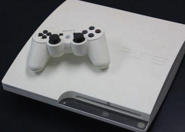 Białe PlayStation 3 jednak nie jest ładne