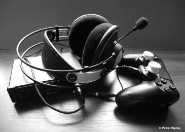 PS4 + DAC, wzmacniacz i słuchawki. Walczymy o jakość dźwięku